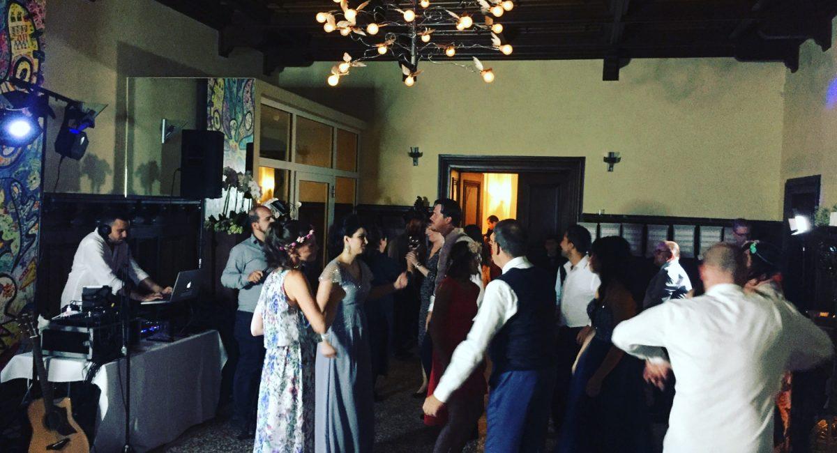 multikulturelle Hochzeitsgesellschaft